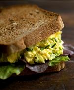 Yumurta Salatası Sandviçi